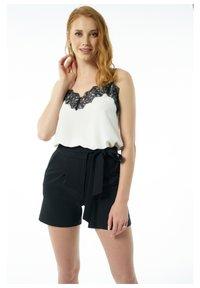 Auden Cavill - Shorts - schwarz - 0