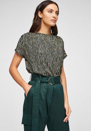 Basic T-shirt - brown aop