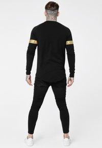 SIKSILK - LONG SLEEVE TECH TEE - Long sleeved top - black - 2