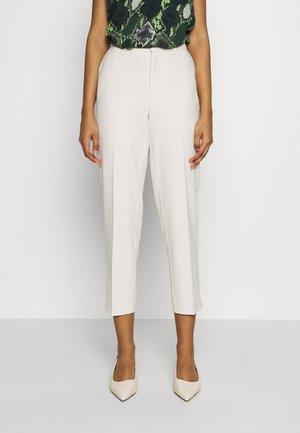 ONLCARISA DEMI LIFE  - Trousers - whitecap gray