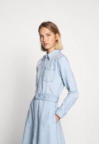Polo Ralph Lauren - LONG SLEEVE CASUAL DRESS - Vestido vaquero - light indigo - 4