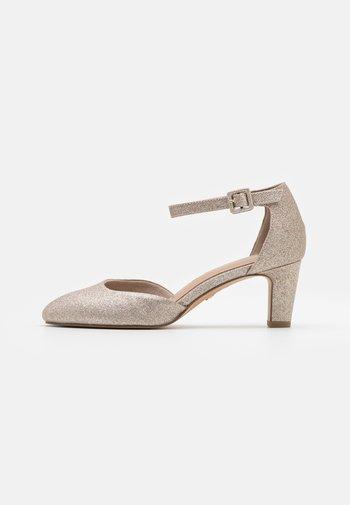 Classic heels - light gold