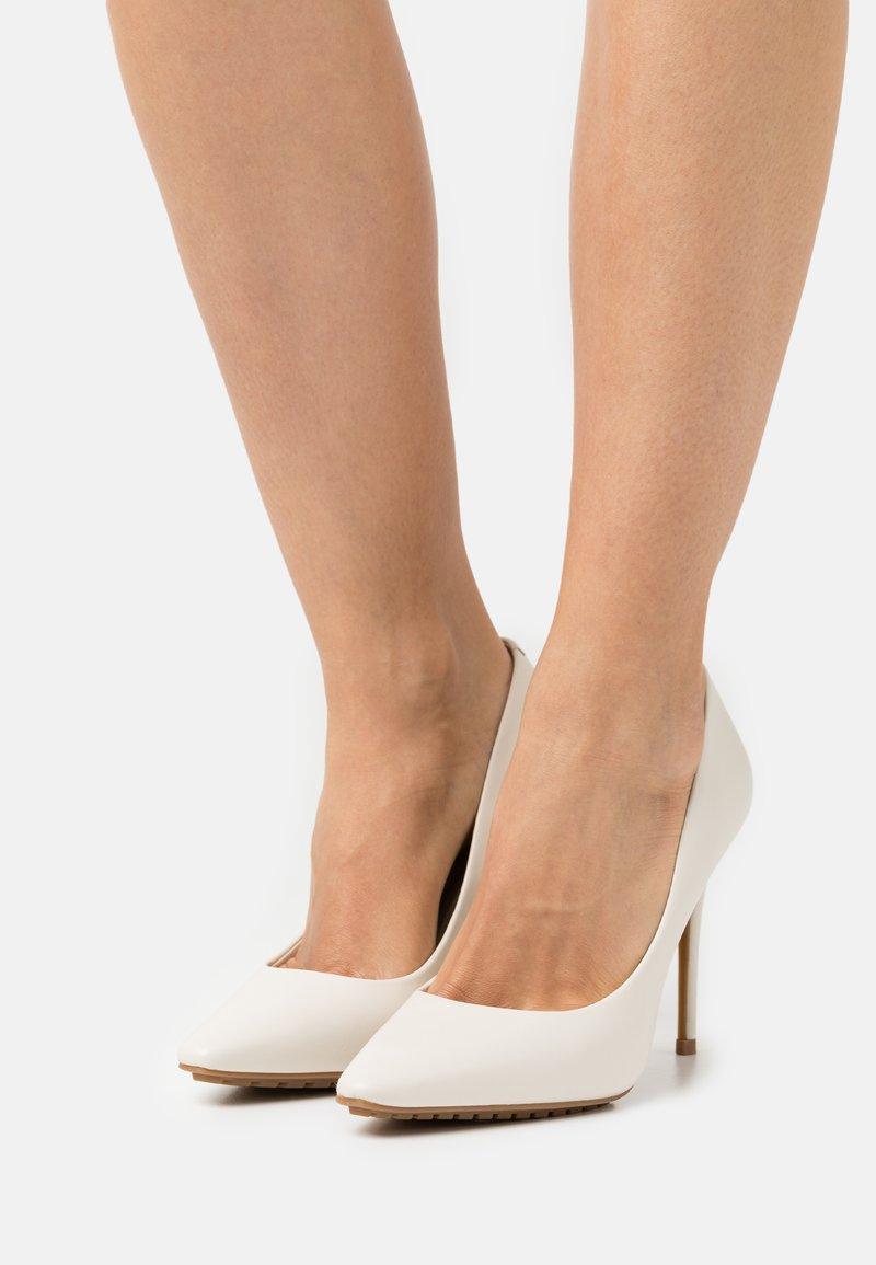 ALDO - DURBELL - Classic heels - white