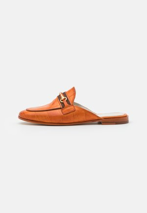 SCARLETT 46 - Mules - arancio/mid brown/gold/orange/white/natural