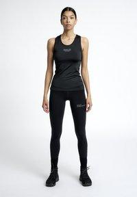 HALO - RACERBACK - Sportshirt - black - 1