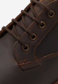 Clarks - FOXWELL MID - Stringate - brown - 5