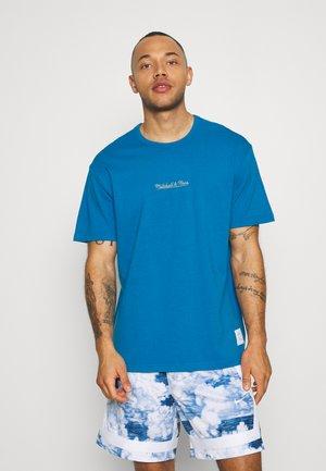 OWN BRAND ESSENTIALS TEE - Print T-shirt - light blue