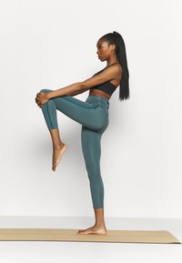 Nike Performance - NOVELTY 7/8 - Collants - dark teal green - 1