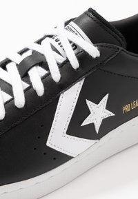 Converse - PRO LEATHER - Sneakers - black/white - 5