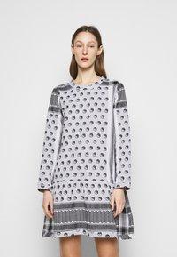 CECILIE copenhagen - DRESS YIN - Vapaa-ajan mekko - black - 0