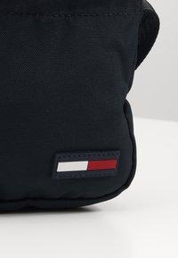 Tommy Jeans - TJM CAMPUS  MINI REPORTER - Across body bag - black - 2