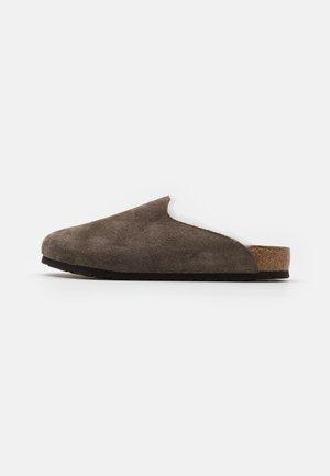 AMSTERDAM PREMIUM UNISEX - Slippers - concrete gray
