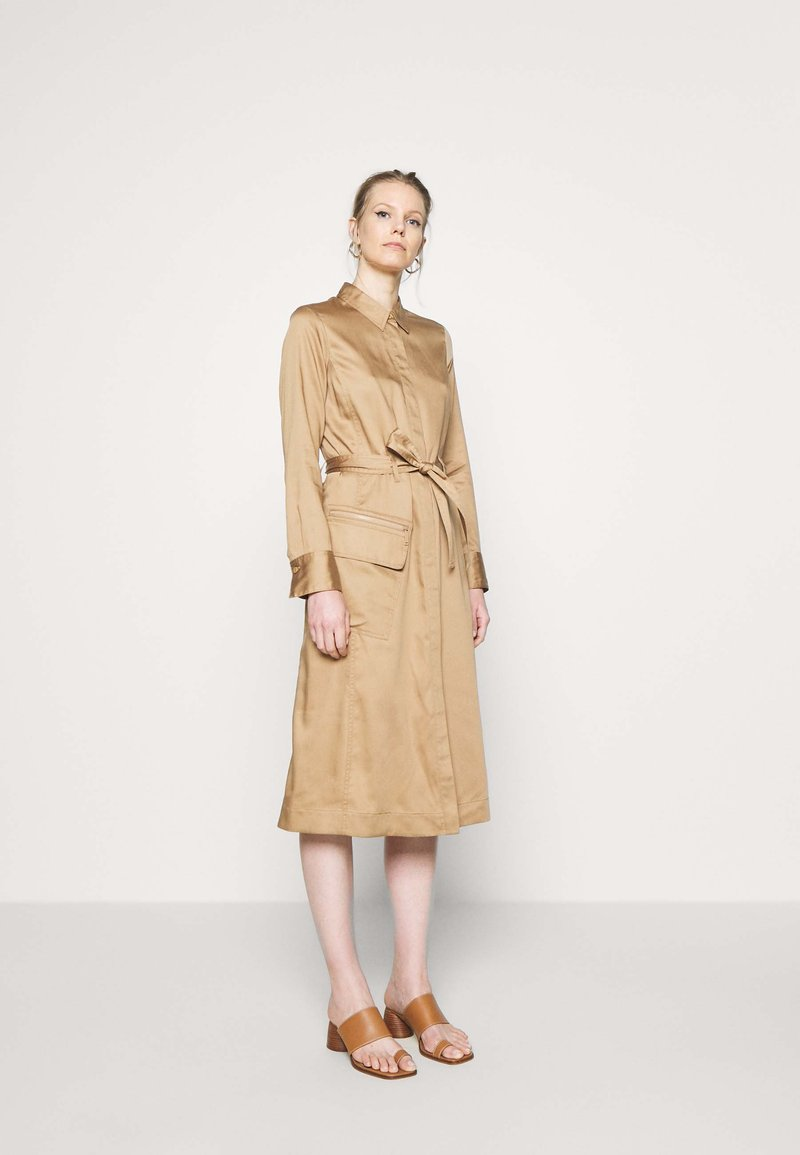 Marc O'Polo PURE - DRESS LONG SLEEVES UTILITY DETAILS CARGO POCKET - Skjortekjole - mellow almond