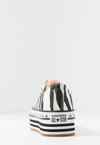 Converse - CHUCK TAYLOR ALL STAR PLATFORM LAYER - Zapatillas - egret/black - 5