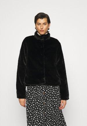 VMTHEA SHORT FAUX - Light jacket - black
