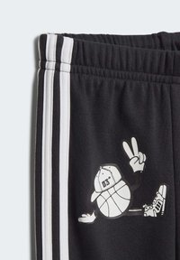 adidas Performance - FRENCH TERRY GRAPHIC TRACKSUIT - Tuta - grey