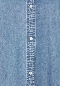 Monki - Denimové šaty - blue medium dusty - 6