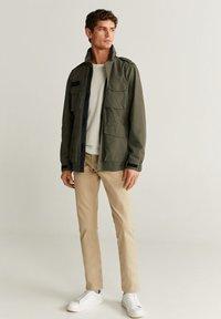Mango - ARMY - Light jacket - khaki - 1