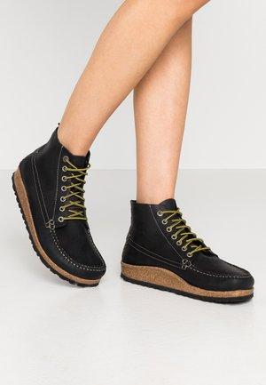 MARTON - Kotníková obuv - black