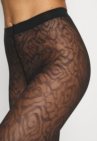 FALKE - FALKE ZEBRA 20 DENIER  LEGGINGS TRANSPARENT FEIN BRAUN - Leggings - Stockings - black