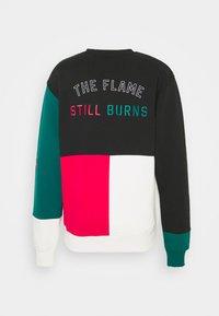 Grimey - YOGA FIRE CREWNECK UNISEX - Sweatshirt - black - 1