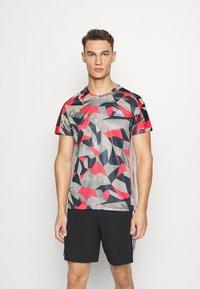 adidas Performance - RESPONSE PRIMEGREEN RUNNING SHORT SLEEVE TEE - Print T-shirt - grey/pink - 0