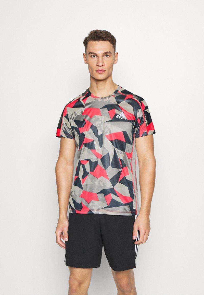 adidas Performance - RESPONSE PRIMEGREEN RUNNING SHORT SLEEVE TEE - Print T-shirt - grey/pink