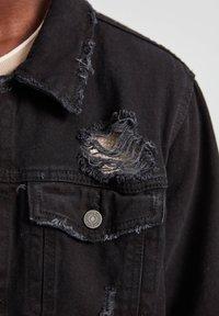 PULL&BEAR - Džínová bunda - dark grey - 4