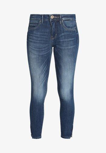 ONLKENDELL - Jeans Skinny - medium blue denim