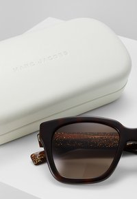 Marc Jacobs - Sluneční brýle - brown - 3