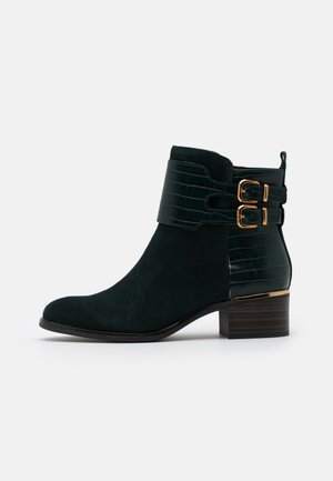 BOOTS - Bottines - bottle