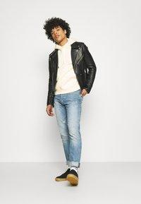 Nike Sportswear - CLUB HOODIE - Hoodie - coconut milk/white - 1