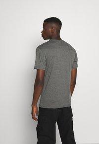 Newport Bay Sailing Club - MULTI TEE MARLS 7 PACK - T-shirt basique - dark blue/dark grey/bordeaux/tan/dark olive - 2