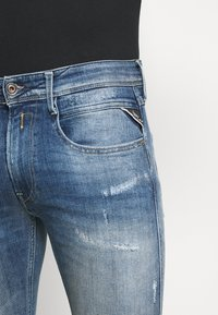 Replay - ANBASS AGED - Slim fit jeans - light blue - 4
