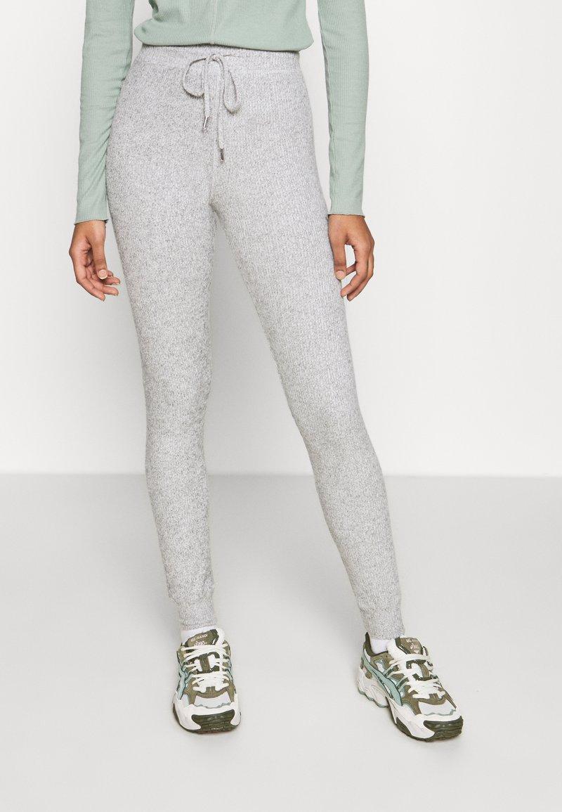 Topshop - NEW BRUSH JEGGER - Teplákové kalhoty - grey