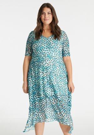 Day dress - cameo blue gemustert