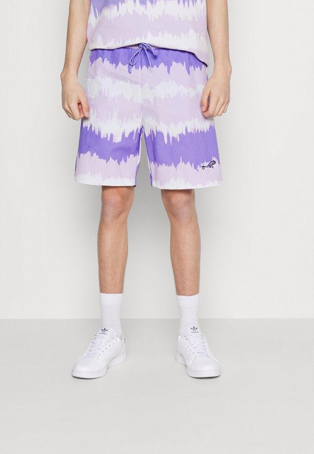 UNISEX - Shorts - light purple/multicolor