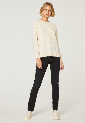 Sweater - crudo