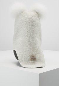 Huttelihut - BABY ELEFANT POMPOMS - Pipo - white/white - 3