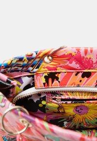 Desigual - DESIGNED BY MARIA ESCOTÉ: - Handbag - red - 5