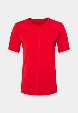 T-shirt basic - redstone/chile red/black