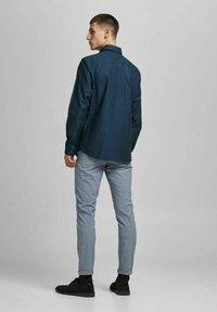 Jack & Jones PREMIUM - Formal shirt - navy blazer - 2