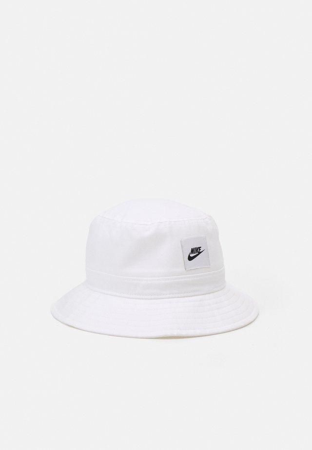 BUCKET CORE UNISEX - Cappello - white