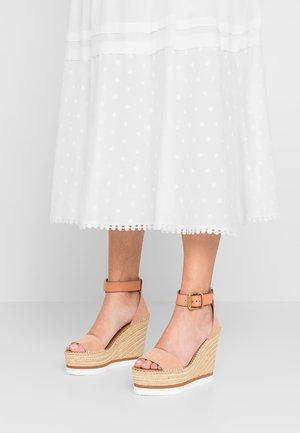 High heeled sandals - cipria/sierra