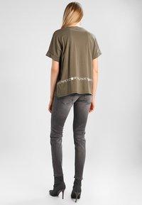 Herrlicher - PIPER SLIM - Slim fit jeans - dark ash - 2