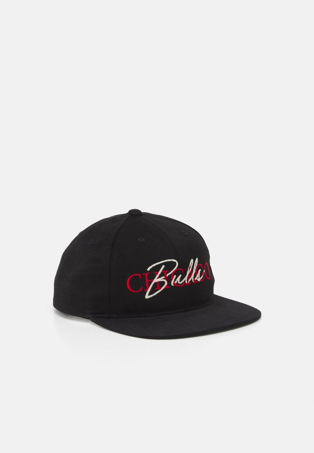 "NBA CHICAGO BULLS ""3-5 ZONE"" DEADSTOCK - Cappellino - black"