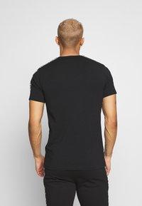 Glorious Gangsta - VASILI  - T-shirt z nadrukiem - black - 2