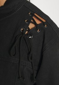 Missguided Plus - LACE UP DETAIL JACKET - Denim jacket - black - 5