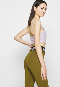 Nike Sportswear - CLUB  - Leggings - olive flak/white - 4