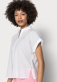 Tommy Hilfiger - COTTON VOILE RELAXED SHIRT - Button-down blouse - white - 4